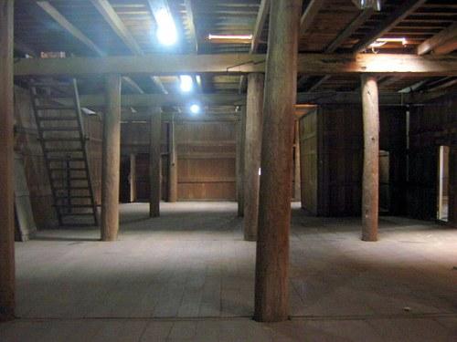 salah satu ruangan di lantai bawah dalam loka